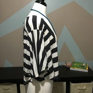 Billabong Tops - Billabong Black & White Striped Crop Top Size M